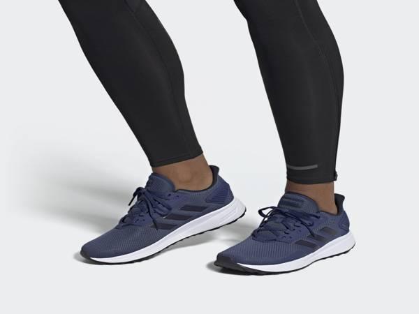 Hình ảnh Adidas doruma trên chân