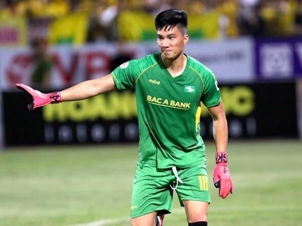 Bóng đá Việt Nam 9/11: Cựu sao U23 Việt Nam tiếp tục khoác áo SLNA